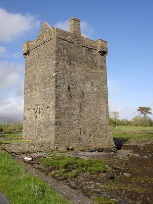 1024px-Carrickahowley_(Rockfleet)_Castle_County_Mayo